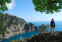 Wandern zwischen Himmel und Meer auf dem ligurischen Höhenweg
