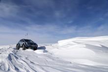Hyundai Santa Fe framförd av  Sir Ernest Shackletons barnbarnsbarn blir första bilen  att korsa Antarktis