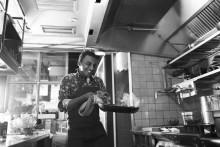 Marcus Samuelsson firar att Kitchen & Table nu öppnat på Norrmalm med en noga utvald avsmakningsmeny 20-21 september!