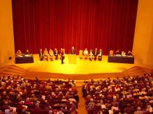 Bekenntnis zur Vielfalt. Das Goetheanum griff in einem turbulenten Jahr vieles neu / Mitgliederversammlung bestätigt Schatzmeister Justus Wittich