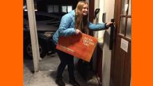 Jenny ger sin del av Kundmiljonen till Älvsbygymnasterna