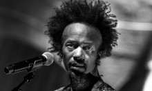 Black roots rock og bidske samfundskommentarer fra Fantastic Negrito