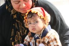 Zurah i Irak får hjälp att hålla sina barn varma i vinter