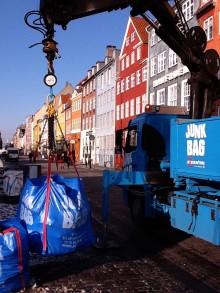 I Nyhavn ta'r man skraldet for miljøet