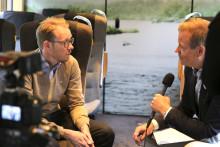 Svart på vitt om humanitet - Röda Korset i samtal på Arlanda Express