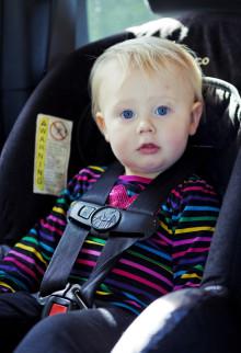 24 % av landets 0-4 åringar färdas osäkert i bilen