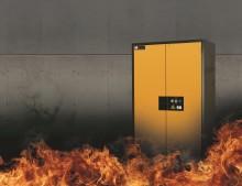 Världens första FM godkända brandklassade kemikalieskåp med 90 minuters motstånd.