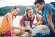 Cool recycelter Kaffee: Belebend-kühle Sommershirts aus Kaffeesatz