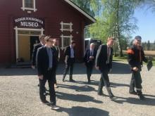 Intokin mukana suurlähettiläsvierailun järjestelyissä