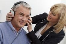 Hörtests am laufenden Band – Im April startet wieder die große Hörtour der Fördergemeinschaft Gutes Hören