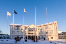 Svenska Fönster avser att centralisera den interna säljorganisationen till huvudkontoret i Edsbyn – stänger kontoret i Ljungby