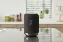 Kabelloser 360-Grad Lautsprecher mit eingebautem Google Assistant