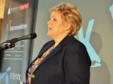 Statsminister Erna Solberg støtter Bruk Hue-kampanjen