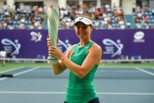 ASICS ambassadör Rebecca Petersen tar sin första WTA-titel