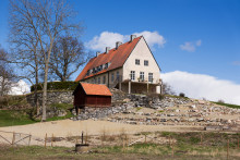  Stora Eneby Gård - Storslaget med fin åkermark, skog och bra jakt 7 mil från Stockholm.