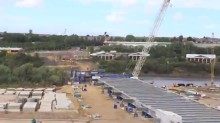 Video: Bridge deck on New Wear Crossing put in place