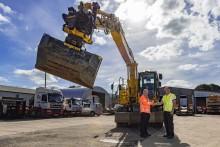 Isobritannialainen JN Bentley nostaa kaivukoneiden tehokkuutta Engconin rototilttien avulla  –  rototilttiteknologia alkaa vakiintua myös Pohjoismaiden ulkopuolisilla markkinoilla
