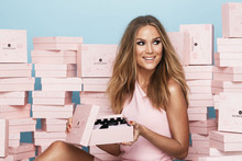 GLOSSYBOX och Marie Serneholt i positivitets-boost med årets sista box!
