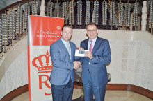 Royal Jordanian tildeler skuespiller Stephen Baldwin et platinkort