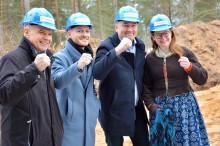 Hultsfredshus: Första spadtaget till nya hyreshuset i Rälla på Öland