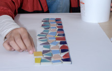 Barn och unga skapar konst i Komarken