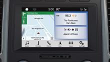 Waze – projiziere die Verkehrs- und Navigations-App auf den Bildschirm deines Autos und steuere sie mit deiner Stimme