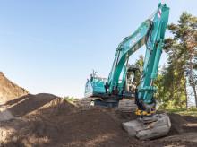 Kobelco gravemaskiner utrustes med Engcons tiltrotatorer og automatisk tiltfunksjon