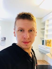 Niklas, montör på Modexa AB, räddade livet på äldre kvinna