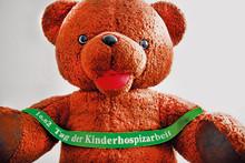 """Trödeln und malen für Bärenherz: Flohmarkt + Prämierung des """"Schönsten Bären mit Herz"""""""