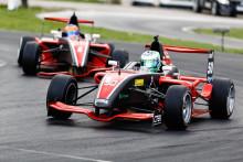 Dubbelt Finndrive och Koprivaara återtog ledningen i Formel Renault 1,6