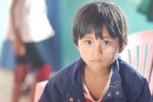 Malin Prenkert forskar om barn i Burmas isolerade bergsbyar