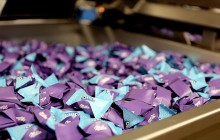 Čokoládová továreň v Bratislave vyrába nové pralinky značky Milka