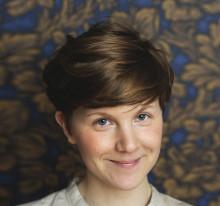 Elsa Beskow-plaketten 2018 tilldelas författaren och illustratören Lisen Adbåge