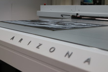 Canon världslanserar ny serie flatbäddsskrivare vid Sign & Printmässan