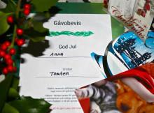 Skänk medmänsklighet i julklapp