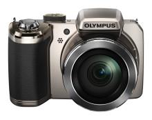 Olympus SP-820UZ med 40x optisk zoom tar ledningen i ultrazoomklassen