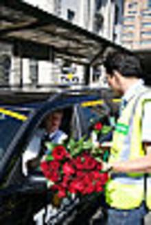 Umeå Taxi får beröm av Gröna Bilister - och kommunen uppmanas påskynda taxis omställning