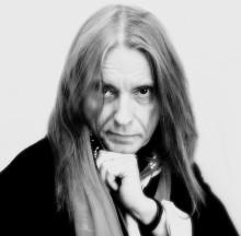 Dan Hylander avslutar årets Musik på Larmtorget