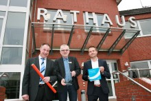 Lichtgeschwindigkeit für Beverstedt - Bürgermeister Ulf Voigts unterzeichnet Kooperationsvereinbarung mit Deutsche Glasfaser