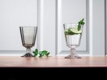 Des lignes nettes et un aspect taillé raffiné – Opéra et Opéra Smoke : des verres élégants pour des compositions de table pleines de style