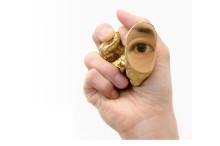 Samtida smyckekonst – Europeisk triennal på väg till Sverige och Gustavsbergs Konsthall