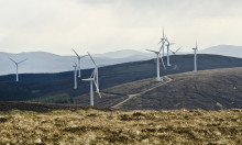 Scotland wind turbines provide enough electricity for an entire day