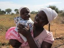 7 500 kvinnor och deras barn lyfts ur fattigdom i unikt projekt