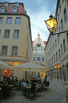 Innenhof fertiggestellt: Der Barthels Hof begrüßt wieder Freisitz-Gäste!
