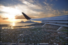 Ta direktflyget till sommaräventyret i Nordland – dramatiska fjäll, Norges vackraste kuststräcka, kulturliv och valar