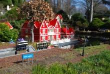 Legoland bästa temapark enligt barnsemester.se
