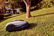 Hondas nya högeffektiva robotgräsklippare HRM 3000 kan tvättas med vattenslang