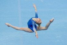 Jonna flyger in i barrfinalen och Jessica Castles klar för mångkampsfinal på EM