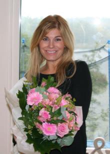 Interflora.se och Pernilla Wahlgren skänker 10 000 kronor till thailändskt barnhem