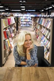 Lucinda Riley med en million solgte bøker i Norge